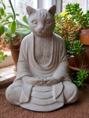 buddha_cat_statue_large_concrete_buddhism_cat_figure_garden_deco_7a3a0802